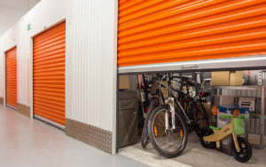 Storage unit with items inside